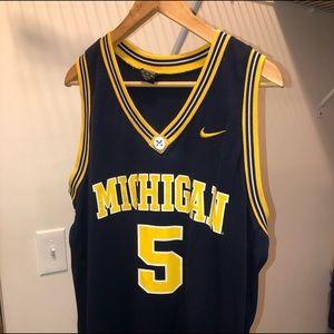 Michigan Wolverines NCAA basketball jersey